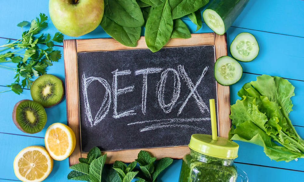 Sự thật về detox thải độc cơ thể: Chuyên gia cảnh báo nguy cơ đáng sợ cho tim, xương, đại tràng! - Ảnh 1.