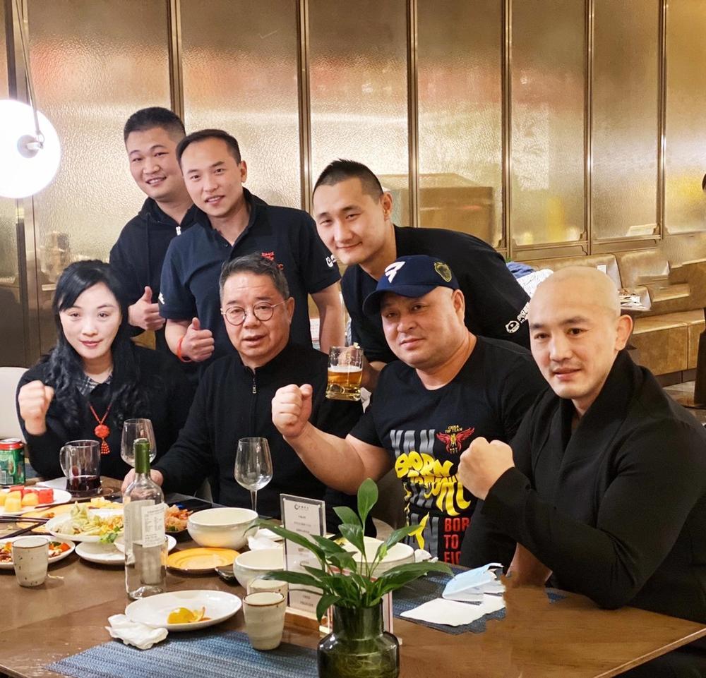 Sau cuộc gặp sư phụ của Lý Liên Kiệt, Yi Long mở ra kịch bản đại chiến với Buakaw - Ảnh 2.