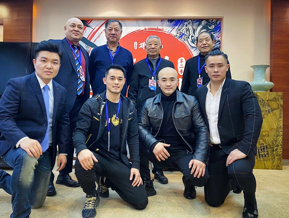 Sau cuộc gặp sư phụ của Lý Liên Kiệt, Yi Long mở ra kịch bản đại chiến với Buakaw - Ảnh 1.