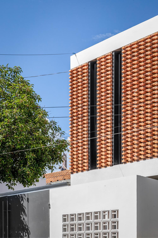 Công trình bằng gạch nung được cải tạo từ nhà kho đẹp lung linh trên báo Mỹ - Ảnh 5.
