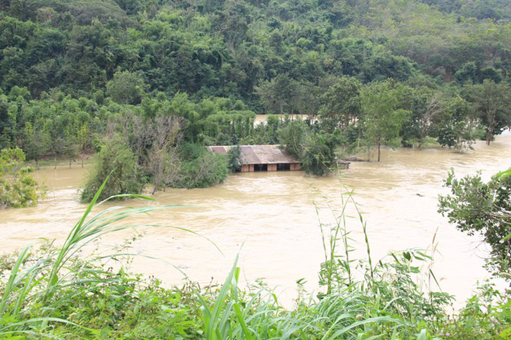 Thủy điện Buôn Kuốp liên tục xả lũ gây thiệt hại, né trách nhiệm - Ảnh 1.