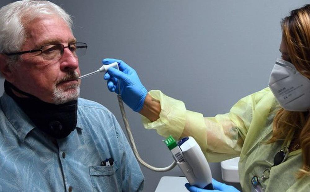 """FDA """"bật đèn xanh"""", nước Mỹ chuẩn bị sẵn sàng cho đợt tiêm vắc xin Covid-19 trên quy mô lớn"""