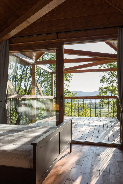 Độc đáo ngôi nhà vô cùng đơn giản, với 12 cái chân, tầm nhìn ra sông - Ảnh 8.