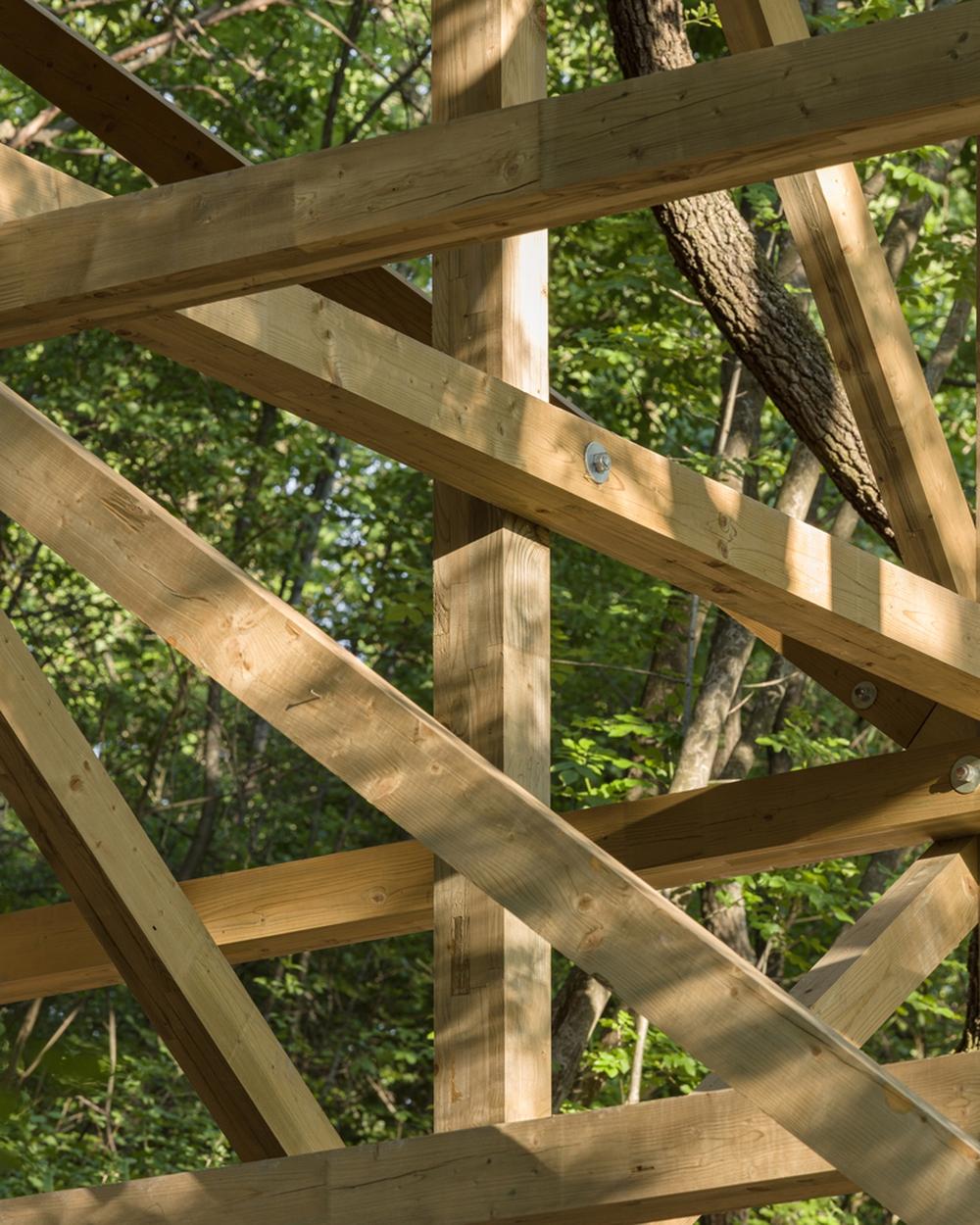 Độc đáo ngôi nhà vô cùng đơn giản, với 12 cái chân, tầm nhìn ra sông - Ảnh 11.