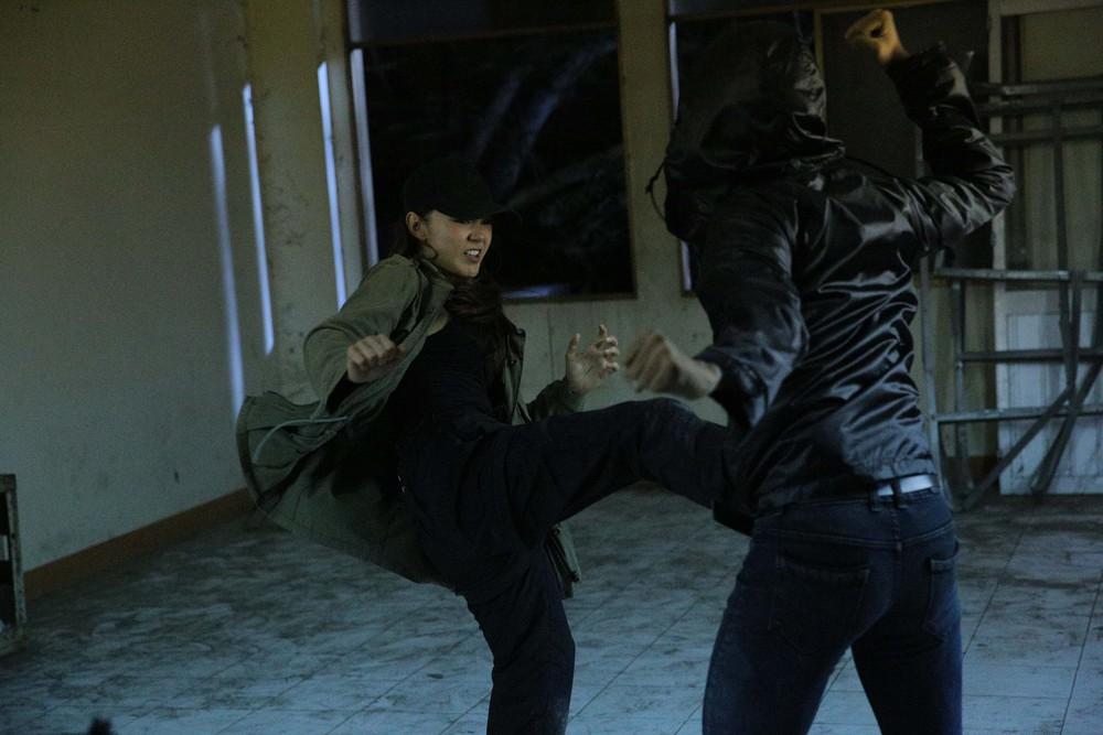 Minh Hằng bị chấn thương khi đóng cảnh hành động kịch tính  - Ảnh 7.