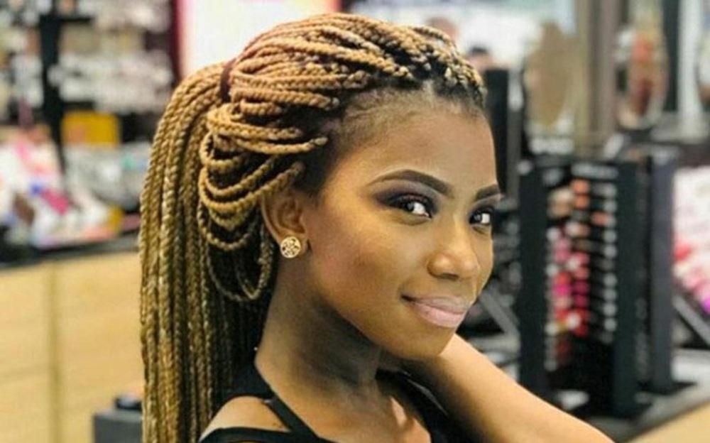 Tuần lễ đen tối và xấu hổ của Nam Phi: Nhiều phụ nữ trẻ đẹp bị giết dã man - Ảnh 1.