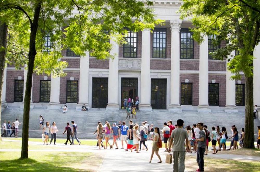 Được khuyên đến thư viện lúc 4h30 sáng, người đàn ông phát hiện bí mật lớn của trường đại học Harvard - Ảnh 4.