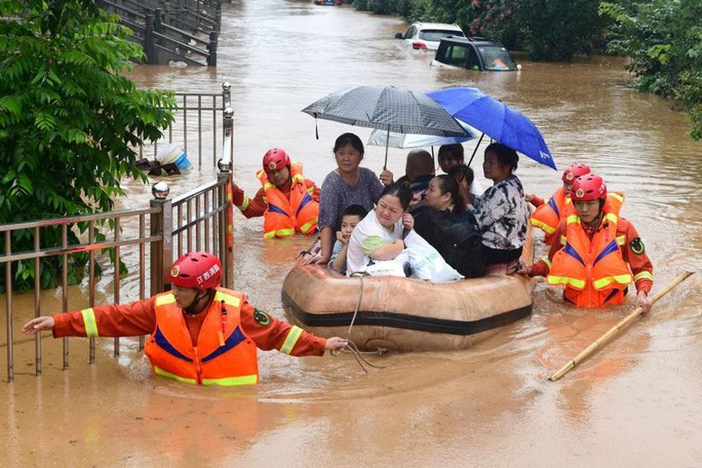 Cơn ác mộng mưa lũ đeo bám Trung Quốc - Ảnh 1.