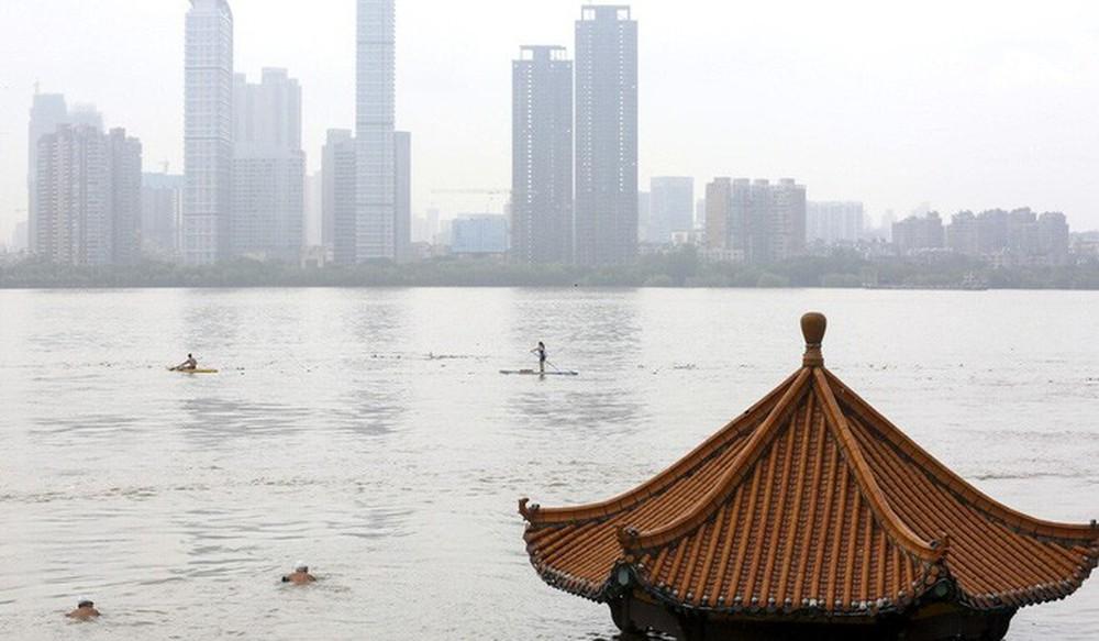 Cơn ác mộng mưa lũ đeo bám Trung Quốc - Ảnh 2.