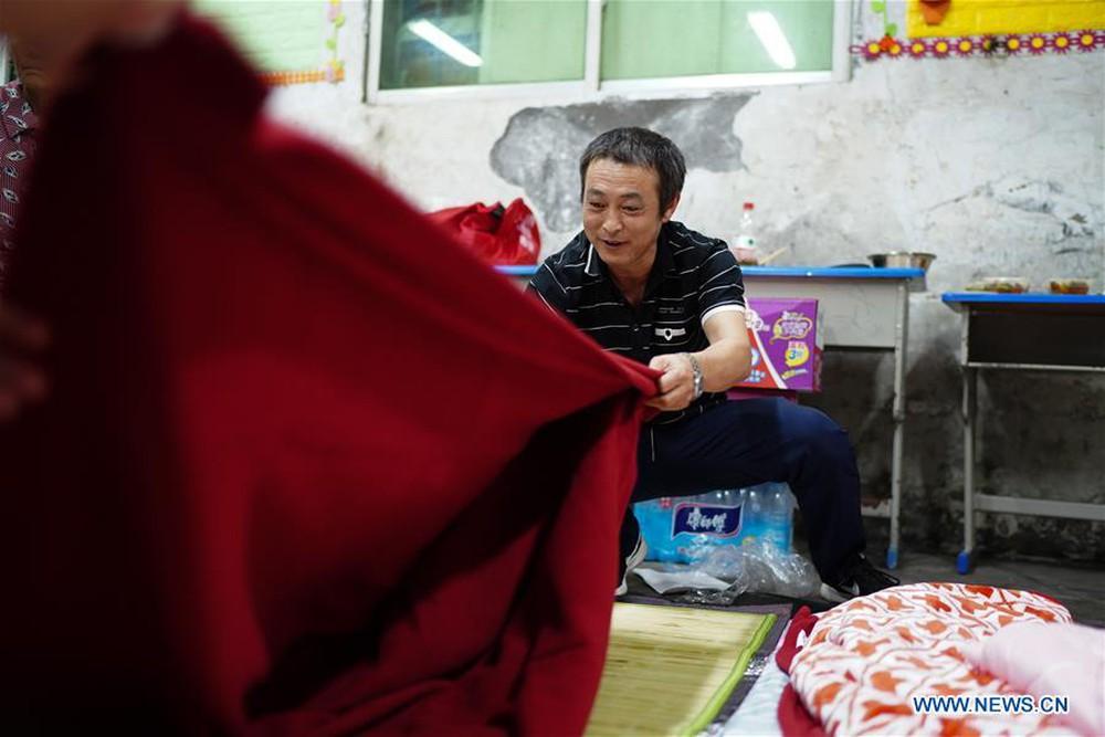 TQ: Cận cảnh cuộc sống của người dân ở nơi xảy ra vỡ đê trên sông Dương Tử - Ảnh 2.