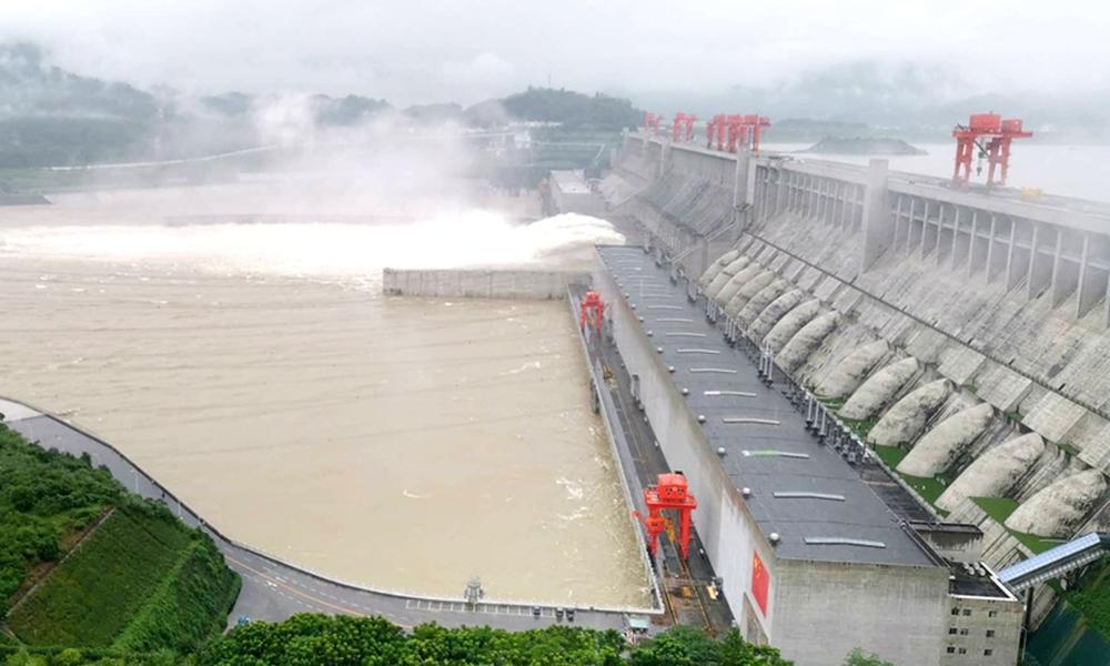 Nước lũ đổ bộ dồn dập, TQ tuyên bố cứng rắn về thông tin đập Tam Hiệp biến dạng, sắp sập - Ảnh 1.
