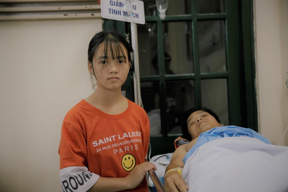 Lý Văn Hành đã đi lại được nhưng người vợ động kinh lại tai nạn, phải nằm một chỗ - Ảnh 2.