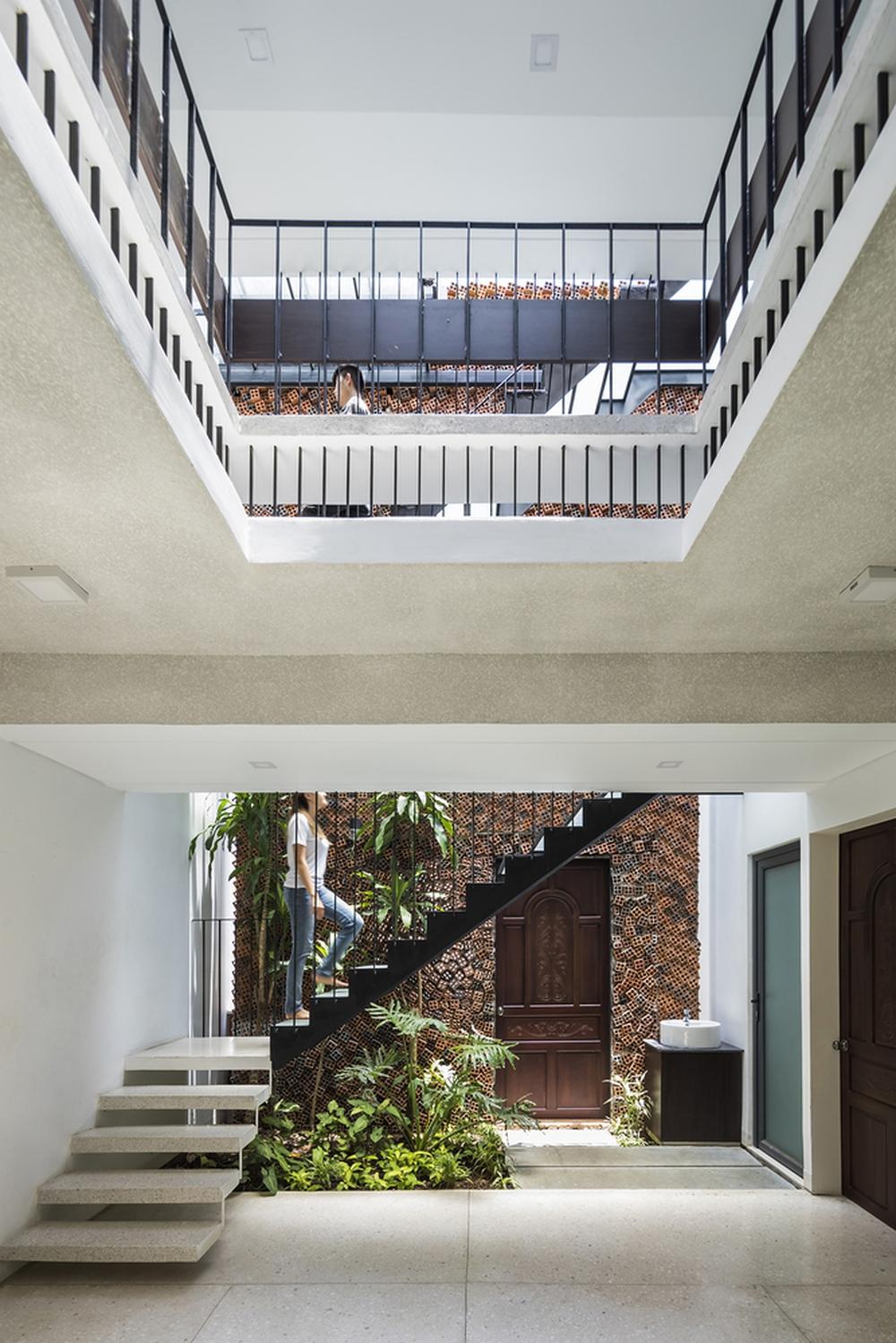 Căn nhà có những bức tường thở tại Biên Hòa nhìn thôi cũng đủ bị mê hoặc - Ảnh 6.