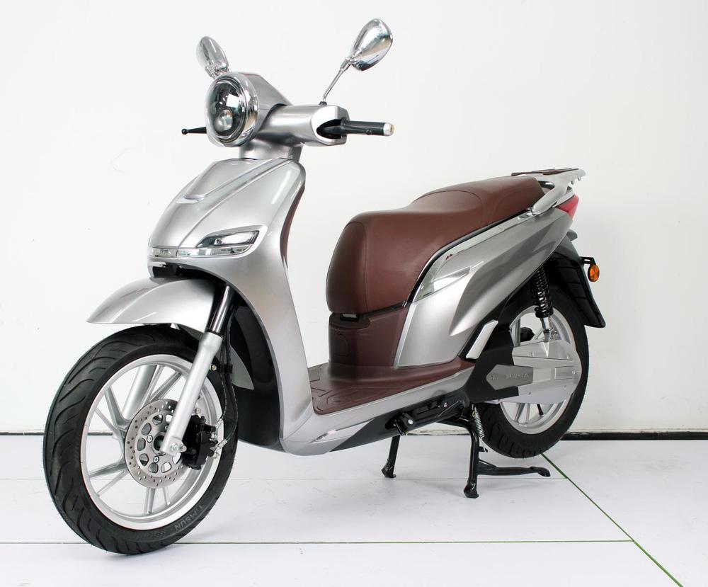 Mẫu xe giống với Honda SH nhưng giá bằng 1/3 bán ngược lại cho thị trường Trung Quốc - Ảnh 2.