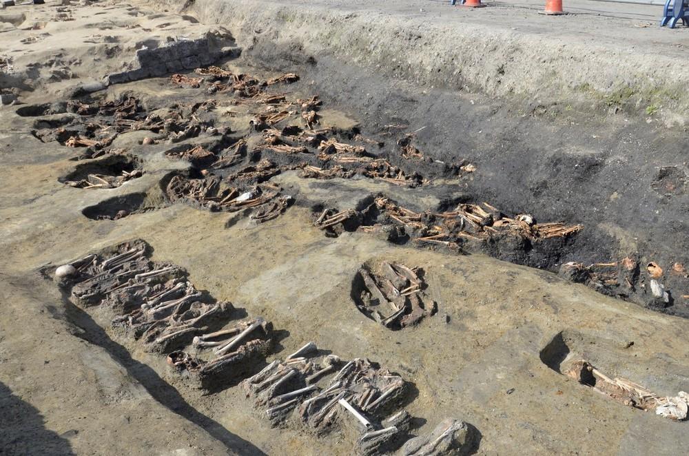 Phát hiện khu mộ lớn tại Nhật Bản chứa 1.500 hài cốt - Ảnh 2.