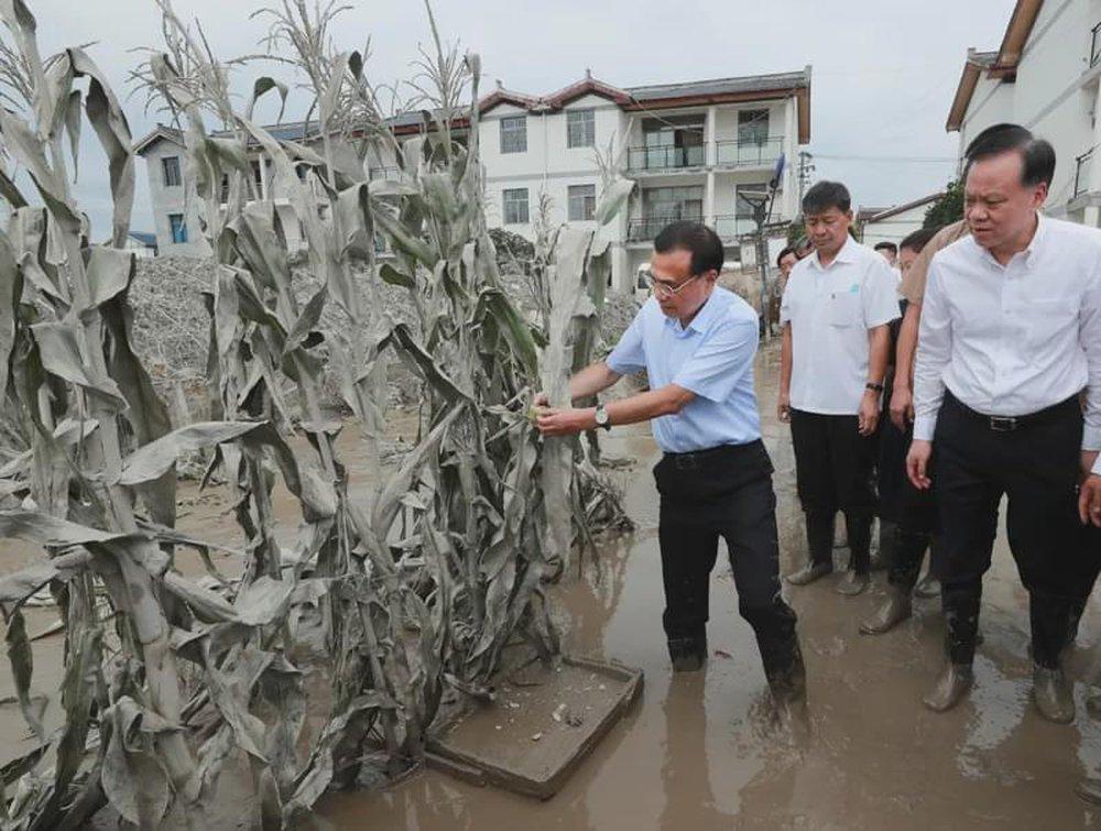 Lũ lụt lưu vực Trường Giang tập kích, giới lãnh đạo TQ đối mặt thách thức chồng thách thức - Ảnh 1.