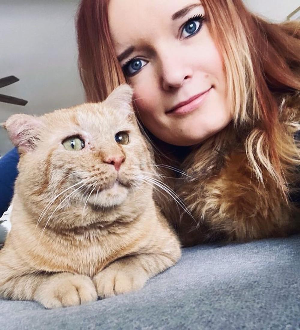 Chú mèo buồn nhất thế gian với đôi mắt như rỉ máu: Điều gì làm nên cuộc lột xác diệu kỳ? - Ảnh 5.
