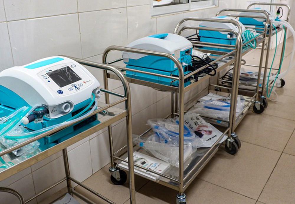 Bên trong Bệnh viện dã chiến Hòa Vang, điểm nóng nhất Đà Nẵng - Ảnh 2.