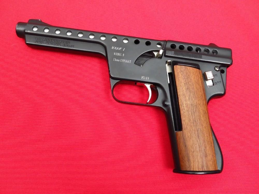 Những khẩu súng phá vỡ mọi tiêu chuẩn trên thế giới - Ảnh 6.