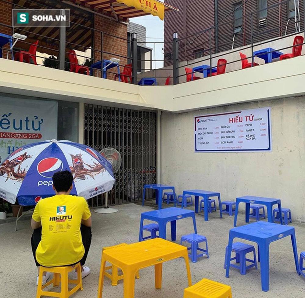 Quán vỉa hè Việt Nam mọc lên giữa Seoul, nhân viên mặc đồng phục in hình Chủ tịch Hồ Chí Minh - Ảnh 7.