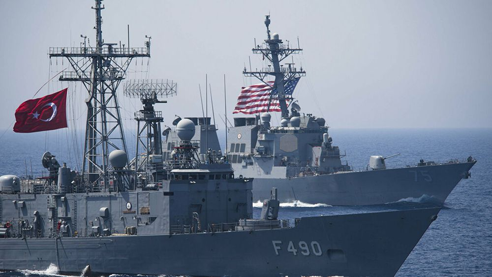 Bị Mỹ bỏ rơi, Thổ Nhĩ Kỳ cầu cứu Nga: Moscow cấp tốc đưa tàu chiến vào Địa Trung Hải - Ảnh 3.
