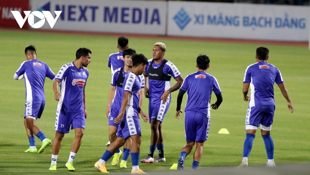 Không được thi đấu, Công Phượng vẫn hăng say tập luyện cùng CLB TPHCM - Ảnh 15.