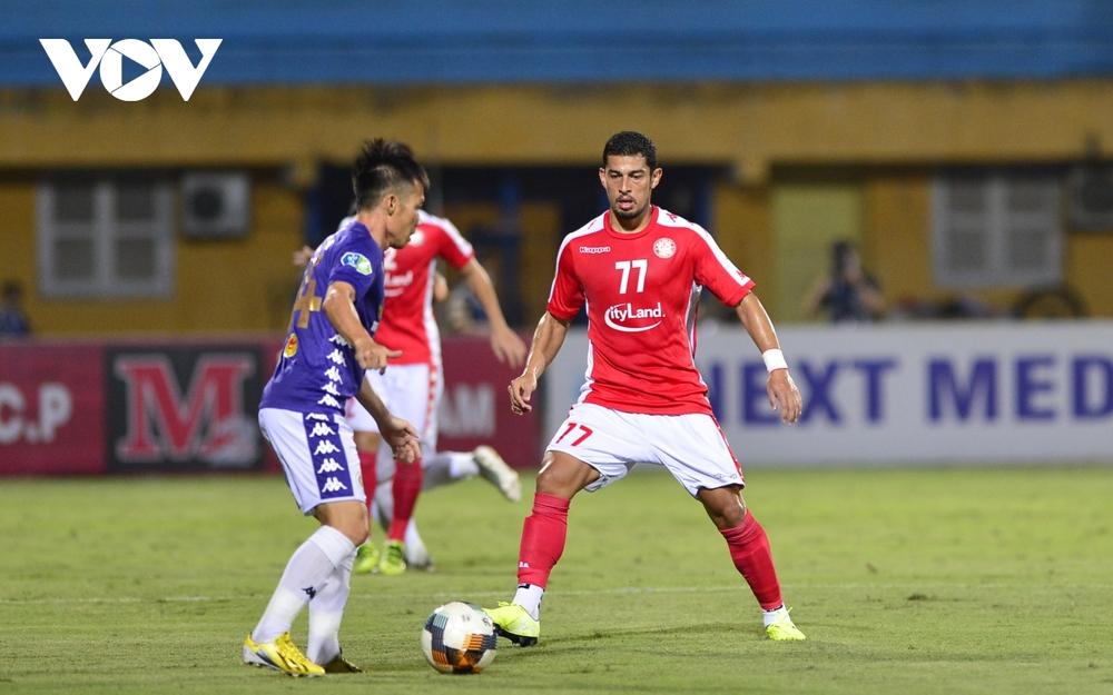 Ảnh: Hà Nội FC khiến hai ngoại binh tiền tỉ của TPHCM khóc thét - Ảnh 14.