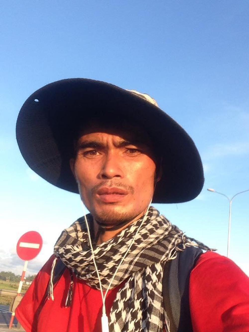 Kinh doanh lỗ gần 1 tỷ đồng, chàng trai Bắc Giang đi bộ xuyên Việt 65 ngày bỏ lại tất cả sau lưng - Ảnh 3.