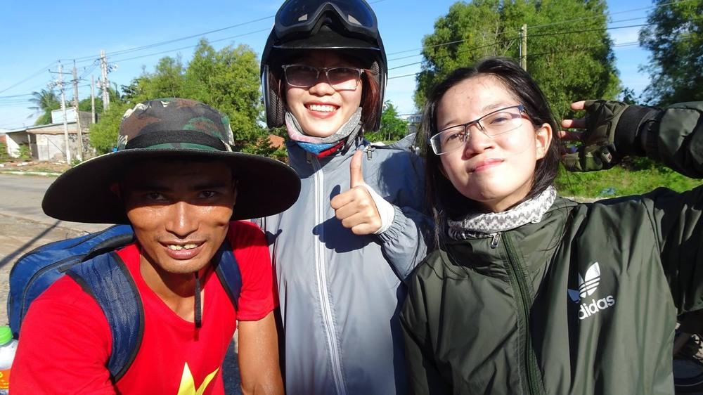 Kinh doanh lỗ gần 1 tỷ đồng, chàng trai Bắc Giang đi bộ xuyên Việt 65 ngày bỏ lại tất cả sau lưng - Ảnh 4.