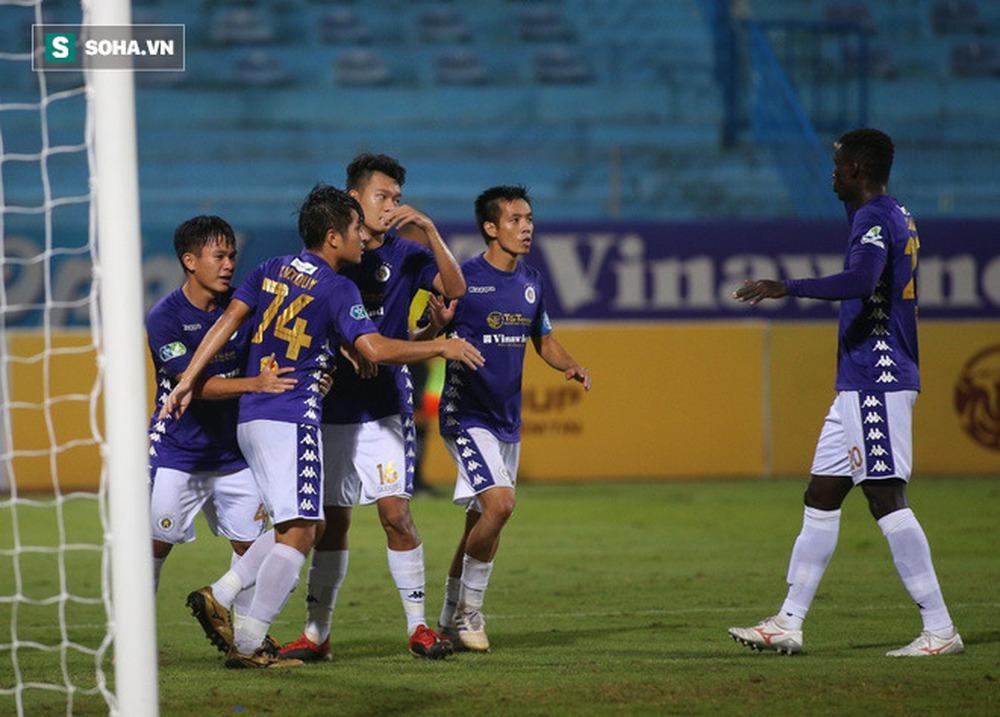 HLV Park Hang-seo đứng trước nguy cơ mất cả Quang Hải lẫn Công Phượng tại AFF Cup - Ảnh 1.