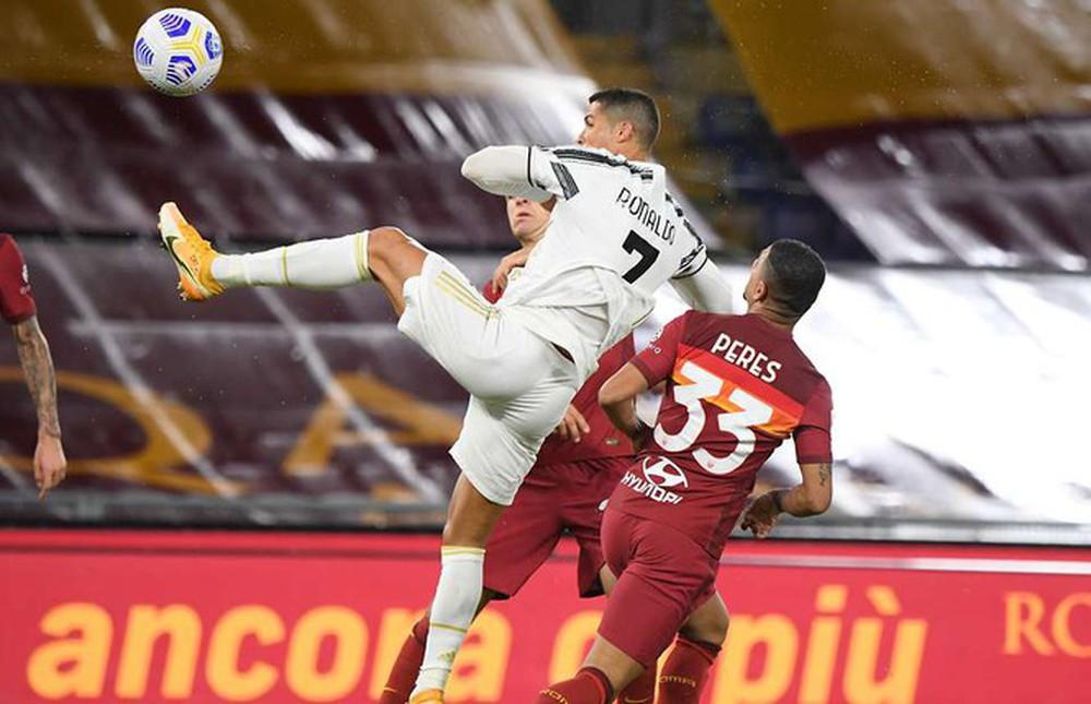 Bí mật về khinh công siêu đẳng của Ronaldo trên sân bóng - Ảnh 1.