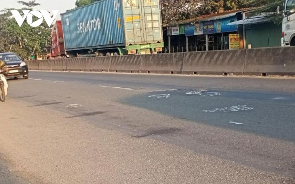 Ô tô biển xanh tông chết người ở Tiền Giang: Lái xe là tài xế của Sở VH-TT&DL Sóc Trăng - Ảnh 2.