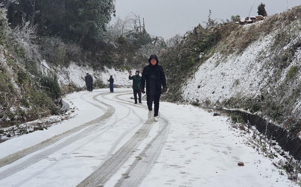 Mưa tuyết ở Y Tý và dãy Hoàng Liên Sơn sẽ dày hơn, lan tỏa xuống thị xã Sa Pa