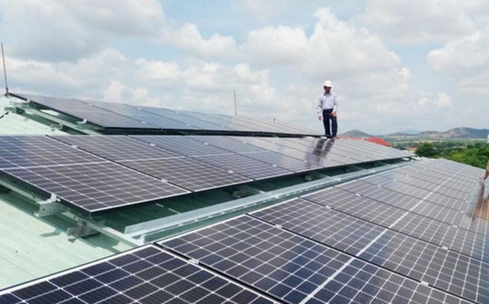 Thừa điện mặt trời, năm 2021 sẽ cắt giảm khoảng 1,3 tỷ kWh công suất NLTT