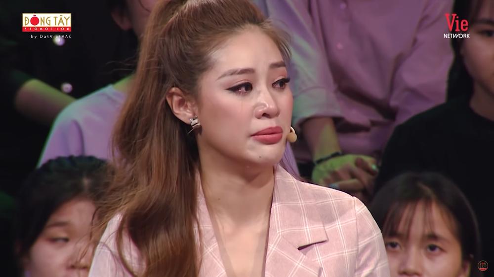 Hoa hậu Khánh Vân bật khóc: Ba tôi phải bươn chải, kiếm từng đồng một - Ảnh 3.