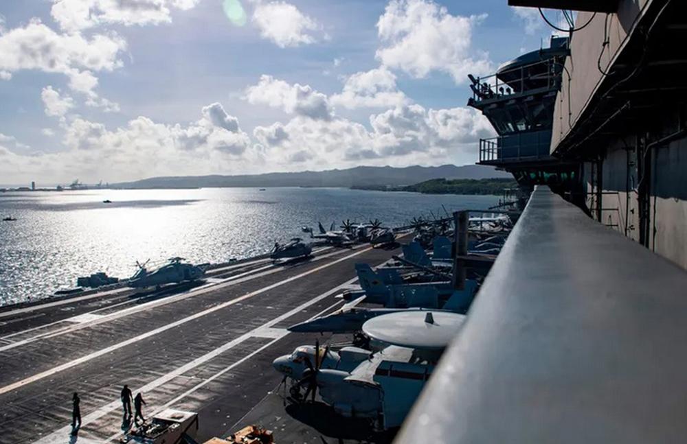 Nghi vấn thiết bị quân sự Mỹ liên quan đến tình trạng cá voi mắc cạn - Ảnh 1.
