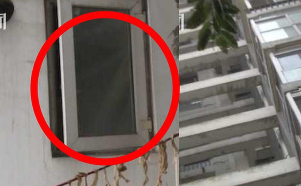 """Tỉnh giấc giữa đêm thấy bóng đen ngoài cửa sổ tầng 13, chủ nhà """"đứng hình"""" khi phát hiện vị khách không mời"""