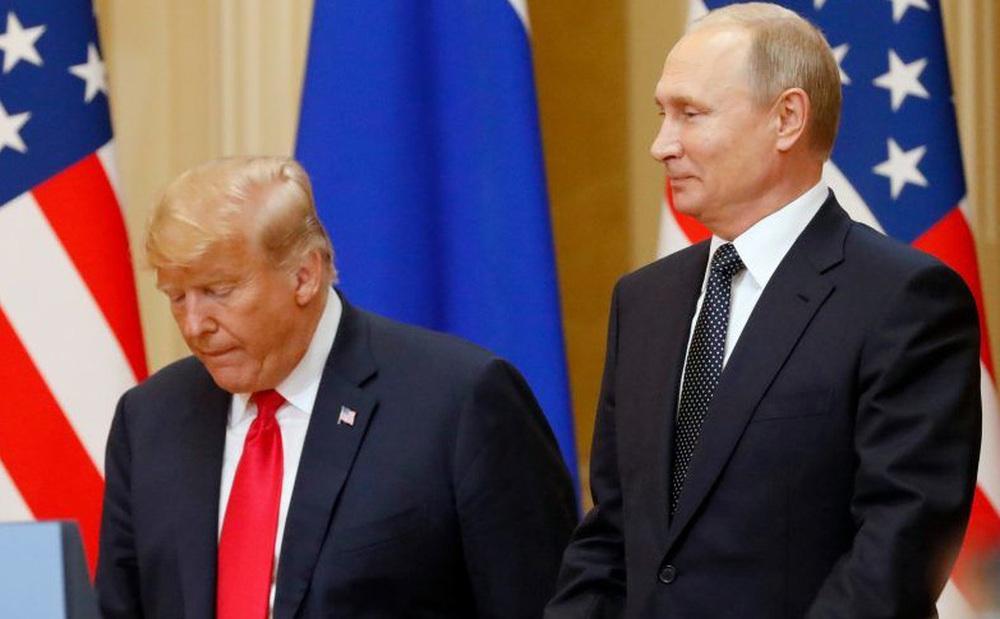 """""""Mọi con đường đều dẫn đến Putin"""": Tổng thống Nga bị bà Clinton nghi giật dây ông Trump gây bạo loạn Quốc hội Mỹ"""