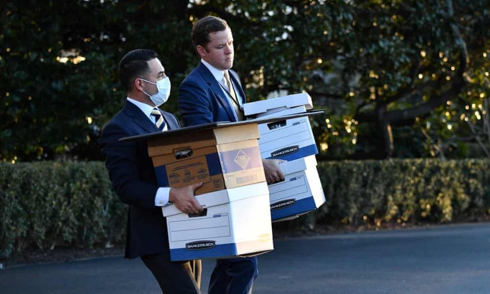 Tổng thống Trump rời Nhà Trắng lần cuối với 21 phát đại bác tiễn biệt, tuyên bố sẽ trở lại - Ảnh 4.