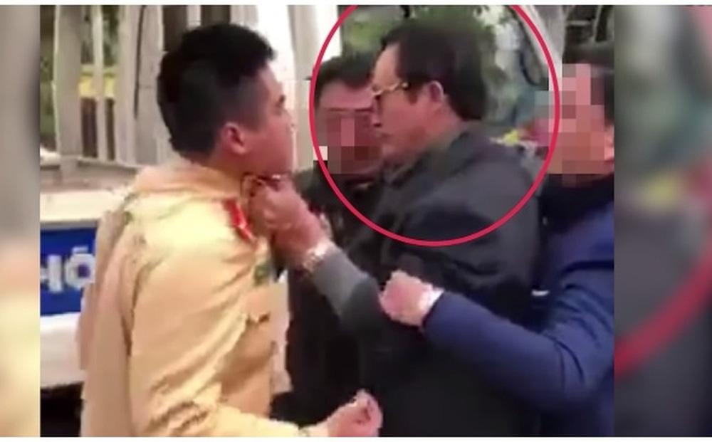 Công an TP Tuyên Quang: 'Ông Đạt chỉ giằng co, túm cổ áo CSGT chứ không tát'