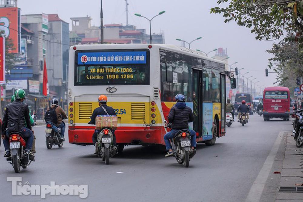 Nhìn gần những thủ phạm làm gia tăng ô nhiễm tại Hà Nội - Ảnh 2.