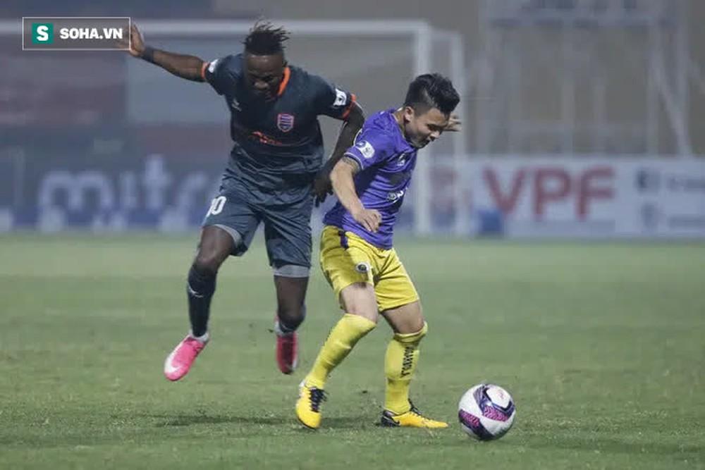 Chuyên gia Vũ Mạnh Hải: Hà Nội FC không tạo được gì mới mẻ, HLV Chu Đình Nghiêm dễ mất ghế - Ảnh 3.