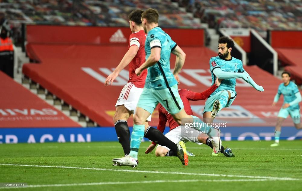 Solskjaer dụng binh như thần, Bruno Fernandes dùng tuyệt chiêu nhấn chìm Liverpool - Ảnh 4.