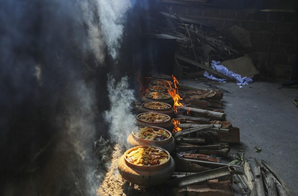 Về làng Vũ Đại xem cả làng nổi lửa kho những niêu cá bạc triệu - Ảnh 11.