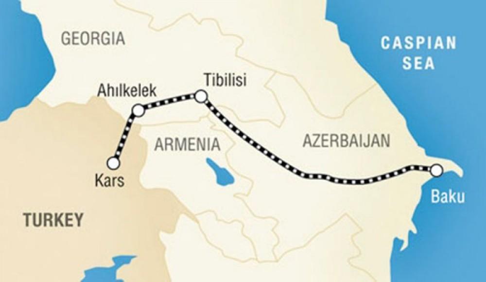Tính gây sức ép tối đa với Armenia, Azerbaijan đối mặt hiểm họa từ đạo quân 90 nghìn người - Ảnh 1.