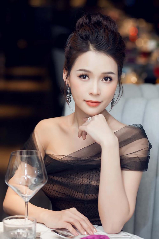 Tuổi U40, Sam nổi tiếng, xinh đẹp cỡ nào mà muốn kén chồng có 30-40 tỷ - Ảnh 12.