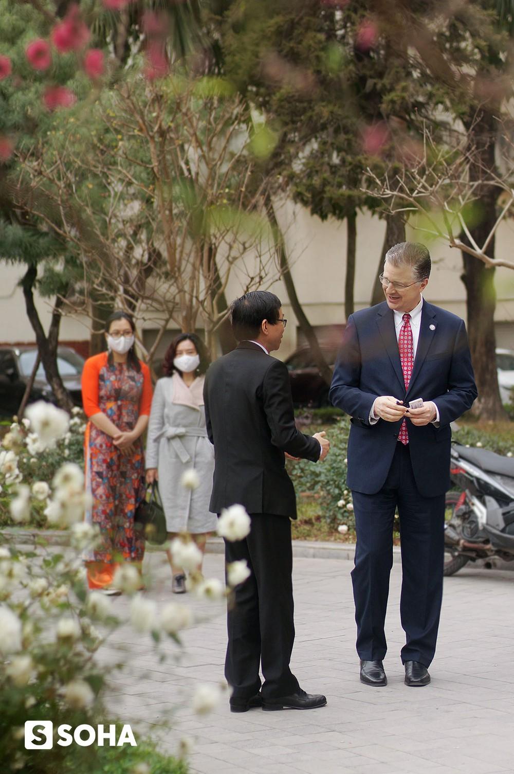 Cây đào tự tay ghép của Đại sứ Mỹ tại Việt Nam và cuộc gặp cuối năm - Ảnh 4.