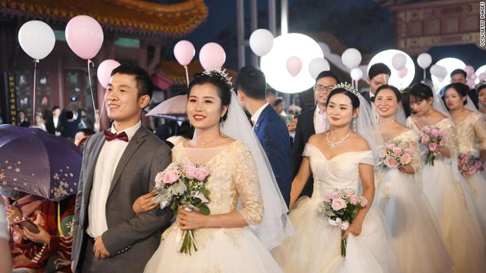 TQ bên bờ khủng hoảng: Khi chuyện người trẻ bao giờ kết hôn trở thành nỗi lo mang tầm cỡ quốc gia - Ảnh 1.