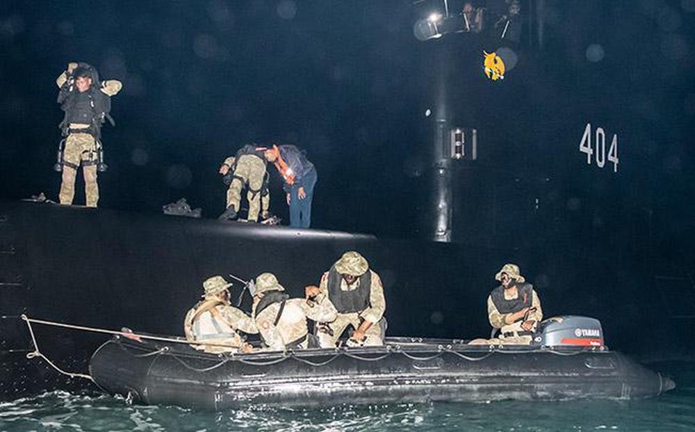 """Bất ngờ thu giữ được """"vật thể lạ"""" của Trung Quốc trên biển: Indonesia cảnh giác cao độ!"""