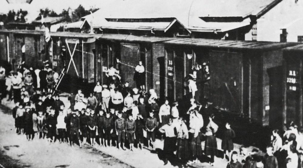 Kỳ nghỉ hè thành chuyến lưu lạc 3 năm: Người hùng bất ngờ cứu mạng 800 đứa trẻ Liên Xô xấu số - Ảnh 1.